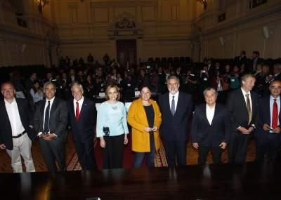 Duras confrontaciones y lanzamiento de monedas marcaron debate radial de presidenciables