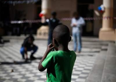 Fiscalía investiga presuntas irregularidades en adopciones de niños haitianos